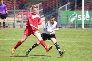Joe O Connell clears the ball